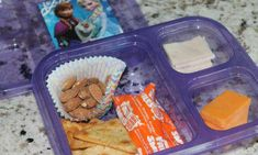 36 of the BEST Lunchbox Hacks for making your Kids Back to School Lunches. You can use these Lunchbox Tricks to make Amazing School Lunches on a budget! Kids Packed Lunch, Healthy Packed Lunches, Lunch Snacks, Lunch Box, Healthy Eats, Lunch On A Budget, First Birthday Cake Topper, Picky Eaters, Food Hacks