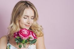 Pretty young woman holding pink roses in hand against pink backdrop Free Photo Rose In Hand, Pink Backdrop, Photoshop, Video Games For Kids, Vector Photo, Beauty Hacks Video, Floral Wedding Invitations, Watercolor Wedding, Flower Girls