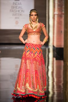 Shraddha Kapoor Showstopper for JJ Valaya at the BMW India Bridal Fashion Week 2014 India Fashion, Ethnic Fashion, Asian Fashion, Indian Wedding Gowns, Indian Bridal, Wedding Lehnga, Pakistani Bridal, Indian Weddings, Lehenga Choli Online