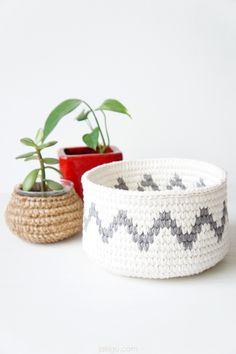 Geometric Crochet Basket - Grey and White Chevron by jakigu.com