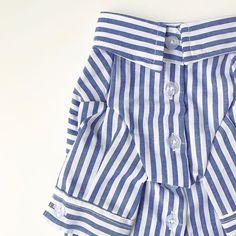 人気のシャツシリーズ 👔 ♪ http://instagram.com/room_milletrois * 即納 国内発送。 PET stripe shirt ♣︎ お待たせ致しました^ ^ 再入荷リクエストの多かった人気のストライプシャツが 入荷致しました♪ * ▪️size ; S, M, L 〔pic着用シルバープードル3kg M size〕 * ▪️color ; blue , pink 2カラー * お問い合わせやご購入はプロフィールよりonline SHOP もしくはDMよりご連絡下さいませ。 * 海外から買い付けしました 上質で他とないデザインのお洋服や小物を販売しております。 もちろんgift配送も可♪ わんちゃん,ねこちゃん どちらも着用可です♡ * 順次新作が入荷しますのでどうぞお楽しみに。…