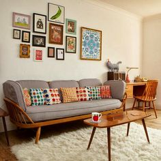 feb-13-sofa-with-legs.jpg (550×550)