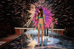 Alessandra Ambrosio at 2015 Victoria's Secret Fashion Show. #victoriassecret