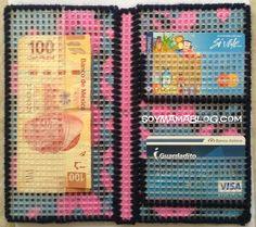 Cartera en Plastic canvas - Soy Mama Blog 2/2   Wallet in #PlasticCanvas