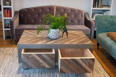 Pallet and Barn Wood Coffee Table with Storage | Pallet Furniture DIY
