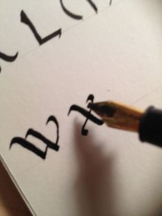 How to Write Calligraphy Lesson 9: Basic Majuscules W-Z
