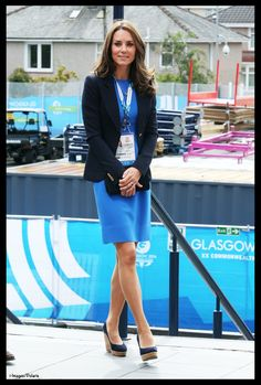 Kate was in navy and royal blue for today's activities at the Commonwealth Games.  The Duchess started the day with a SportsAid reception, attending mentoring sessions and meeting with athletes and ambassadors for the organization.