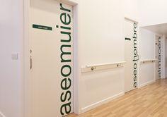 Detalle pasillo Centro de día. #pasillo #puerta #design