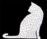Resultado de imagem para gato mosaico #falsoacabado Cd Mosaic, Mosaic Tile Art, Mosaic Pots, Mosaic Artwork, Mosaic Glass, Glass Art, Mosaic Projects, Stained Glass Projects, Stained Glass Patterns