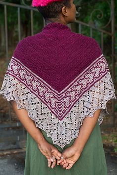 Ravelry: Ready Player One pattern by Barbara Benson A top down triangular shawl in sport weight yarn that starts with easy texture, progresses to slip stitch mosaic colorwork, and finishes with a lace flourish.