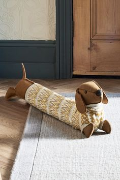 TAPESTRY QUALITY DOG DRAUGHT EXCLUDER SHABBY CHIC FABRIC FUR UNDER DOOR EXCLUDER