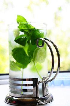 Lemoniada z ogórkiem i miętą Smoothies, Good Food, Kitchen Appliances, Baby Shower, Cooking, Fitness, Alcohol, Smoothie, Babyshower