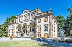 View this luxury home located at Capannori Lucca, Lucca, Italia. Sotheby's International Realty gives you detailed information on real estate listings in Lucca, Lucca, Italia.