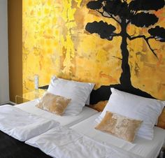 #hotel schlafstadt  zimmer neapelgold gaby roter#