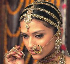 More Indian bridal jewelry Indian Wedding Jewelry, Indian Bridal, Indian Jewelry, Bridal Jewelry, Headpiece Jewelry, Indian Weddings, Tribal Fusion, Maatha Patti, Maang Tikka Design