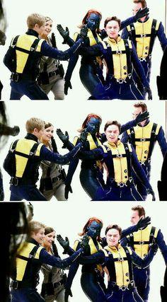 X Men Tormenta Marvel Comics Marvel Comics, X Men Comics, Marvel Xmen, X-men Evolution, Costumes Marvel, X Men Costumes, Jean Grey, Cyclops X Men, James Mcavoy