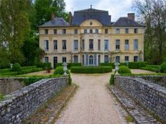 Catherine Deneuve verkauft Luxusschloss Chateau de Primard