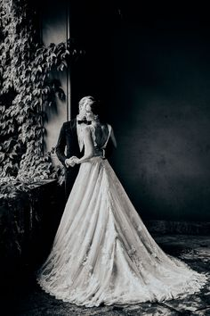 Oslo, Delena, Fine Art, Wedding Dresses, Fashion, Dance In, Bride Dresses, Moda, Bridal Gowns