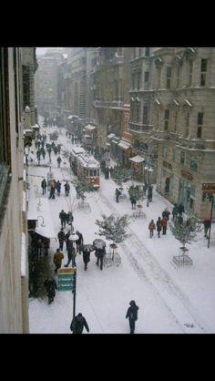 Karlı İstanbul