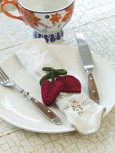 Heart Strings Napkin Tie  pattern by Linda Cyr