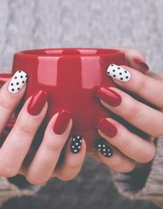 Dazzling Nailart Ideas You Should Gift Your Nails. Like every beautiful part of your body, your nails also deserve your care. So it is time to choose the most brilliant colors to decorate them. Let everyone fall in love with your nailart ideas. Dot Nail Art, Polka Dot Nails, Polka Dots, Love Nails, Pretty Nails, Pin Up Nails, Gorgeous Nails, Nagellack Design, Nagel Gel