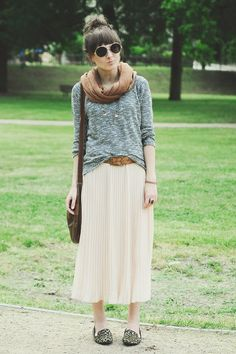 Leopard loafers. Midi. Light sweater. Chill scarf. Chain necklace.