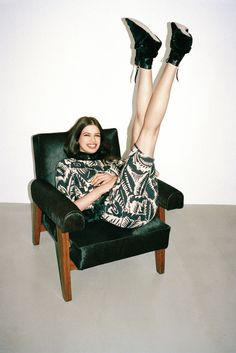 """T Magazine Women's Fashion Spring 2014 """"Everything is Black and White"""" Lily McMenamy by Walter Pfeiffer Shoes Editorial, White Editorial, Moda Fashion, Fashion Models, Womens Fashion, Fashion 2015, Fashion Spring, Pictures Of Shoes, Spring Studios"""