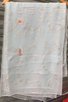 Gorgeous pure chiffon Saree with heavy Aari Jaal Work all over. Comes with Running Blouse piece. Embroidery Suits Punjabi, Hand Embroidery Dress, Embroidery Fashion, Off White Saree, Grey Saree, Border Embroidery Designs, Embroidery Suits Design, Organza Saree, Chiffon Saree