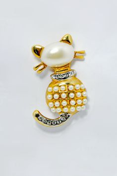 Gold Cat Brooch Pin Fashion Jewelry Rhinestones Faux Pearls Vintage Costume Jewellry