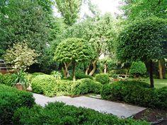 Piet Blanckaert, Landscape Architect - References, Small urban projects Lush Garden, Fruit Garden, Dream Garden, Home And Garden, Formal Gardens, Outdoor Gardens, Landscape Design, Garden Design, Evergreen Hedge