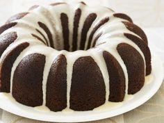 Unebdingt ausprobieren! Köstlicher Lebkuchen-Guglhupf | http://eatsmarter.de/rezepte/lebkuchen-guglhupf