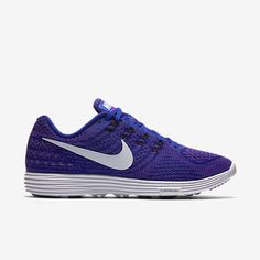 ULTRALIGHT CUSHIONING FOR EFFORTLESS SPEED The Nike LunarTempo 2 Men's Running Shoe combines the lightweight fit of a racing…