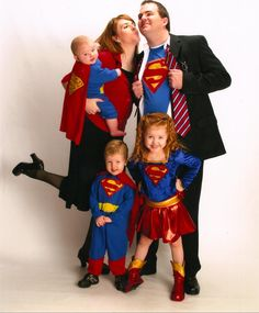 The Incredibles Family Costume | Halloween costume contest ...