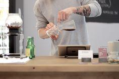 Im Juli 2014 hat sich mit dem ZÅMM Coffee Collective ein weiteres durch Qualität überzeugendes Café in Wien Neubau in dem stetig wachsendem Lokalangebot erfolgreich eingereiht. Die Vielfalt an Zubereitungsmethoden und das sich geschmacklich positiv abhebende Espressoangebot sind mitunter Gründe für eine klare Besuchsempfehlung. Espresso, Lokal, Coffee, New Construction, Espresso Coffee, Kaffee, Cup Of Coffee, Espresso Drinks