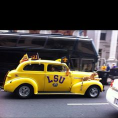 LSU car - love the tiger above the wheel!
