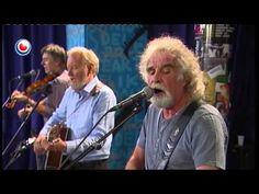 Dublin Legends - (The Dubliners) Live yn @ Noardewyn Omrop Fryslân gitarist/zanger Sean Cannon, gitarist Eamonn Campbell, zanger/banjospeler Patsy Watchorn e. Scottish Music, Celtic Music, Relaxing Music, Dublin, Musicals, Irish, Legends, Lyrics, Memories