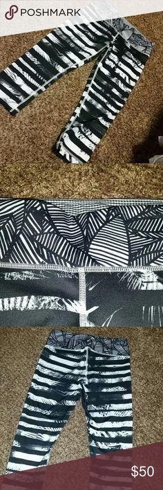 Lululemon Athletica black and white cropped bottom Black and white striped Lululemon cropped pants lululemon athletica Pants Capris