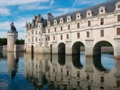 In a region known for its stunning chateaus, Chenonceau Castle stands alone. Take a look at this masterpiece of Renaissance construction!