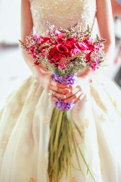 long-stemmed bridal bouquet