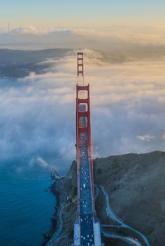 •The Best Photos of San Francisco including the Golden Gate Bridge, Fisherman's Wharf, the Cable Cars and other popular San Francisco sites and attractions.