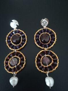 Wunderschöne handgefertigte Ohrringe, vergoldet, Glasperlen, Amethyst, Granat auf 925er Silber, Ohrstecker in Goldschmiedearbeit.