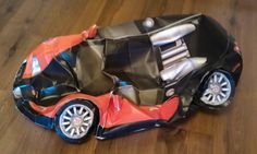 Bugatti Veyron DIY papercraft model built by Artem Saladin of Russia. Get and build yours at http://visualspicer.com/store/bugatti-veyron-paper-super-craft/