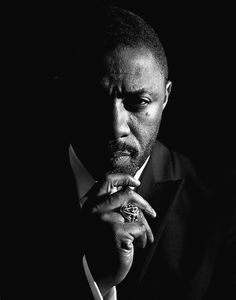 Idris Elba he could be a pretty badass james bond Photography Poses For Men, Portrait Photography, Idris Elba Thor, Idriss Elba, Photographie Portrait Inspiration, Hommes Sexy, Male Poses, Business Portrait, Beautiful Men