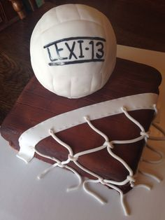 Volleyball cake with net Volleyball Cakes, Cricut Cake, Cake Machine, Sports Party, Monsters, Cake Decorating, Birthday Parties, Whimsical, Bakery