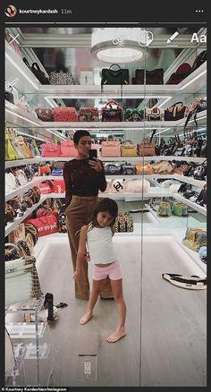 I want Kourtney Kardashian's bag closet Kourtney Kardashian, Estilo Kardashian, Kardashian Family, Kardashian Style, Kardashian Jenner, Kylie Jenner Haus, Jenner House, Looks Kylie Jenner, Estilo Kylie Jenner