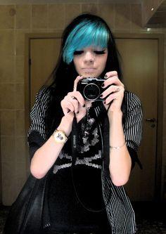 Google Image Result for http://www.haircolorsideas.com/wp-content/uploads/2011/02/blue-bangs-long-hair.jpg