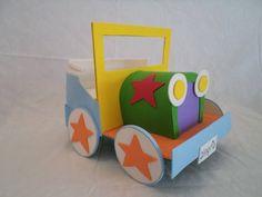 Carro de palhaço feito em eva, usado para decorar tema Circo ou Patati Patata R$ 45,00