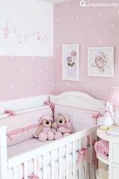 quarto de bebê com enxoval rosa com ursos