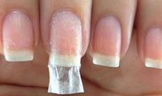 10 great tips for having the most beautiful nails in the world .- 10 astuces géniales pour avoir les plus beaux ongles du monde! 10 great tips for having the most beautiful nails in the world! Fix Broken Nail, Broken Broken, Hair And Nails, My Nails, Acrylic Toes, Nagel Hacks, Nail Repair, Beauty Magic, Diy Beauty