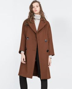 Image 2 of STUDIO DOUBLE BREASTED COAT from Zara